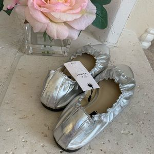NEW Zara Silver Leather Open Toe Flats Sandals 6